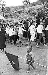 Trẻ em bị buộc đi đấu tố trong cải cách ruộng đất lịch năm 1956